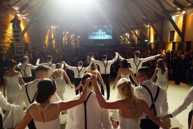 Showact und Tanzeinlage bei einer Firmenfeier